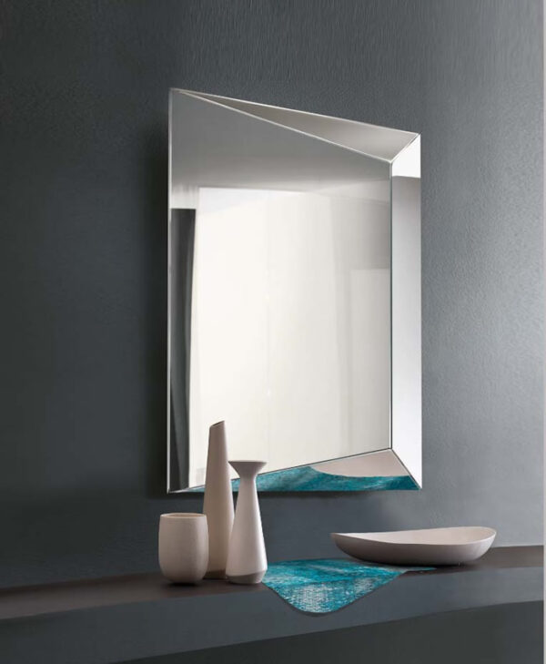 Levante specchio
