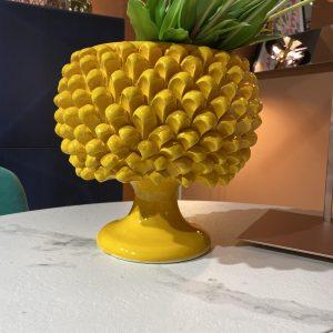 Pigna vaso colore giallo