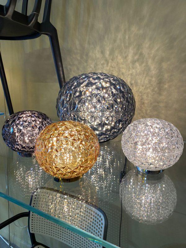 Mini Planet lampada da tavolo